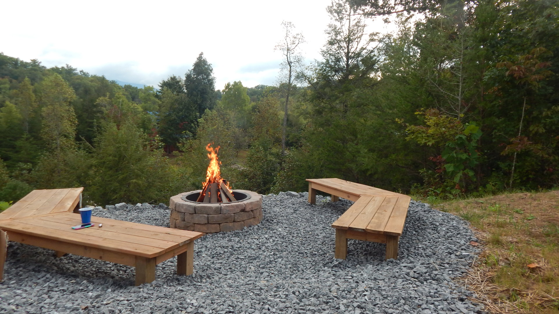 Ridge View Lodge yard firepit